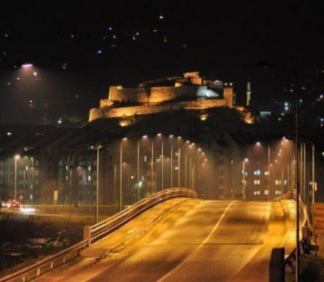 """DOBOJ: Firme bliske vlasti """"osvjetljavaju"""" grad"""