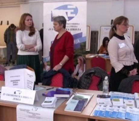 DOBOJ: Treći sajam zapošljavanja ponudio oko 150 radnih mjesta (VIDEO)