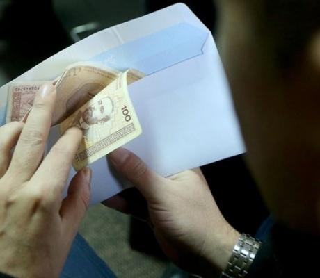 RADNICI PREVARENI – Po Ministarstvu rada najniža plata u RS je 250 KM!