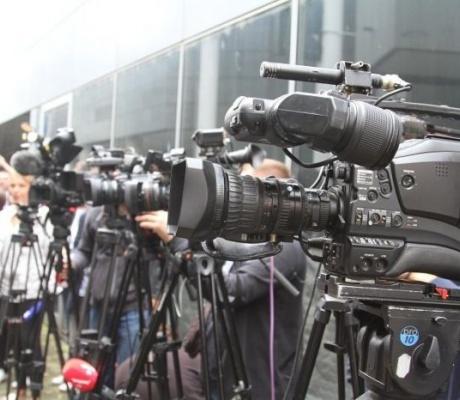 Mediji ostaju bez oglašivača, mijenja se režim rada: Novinari na prvim linijama, ali pitanje je do kad