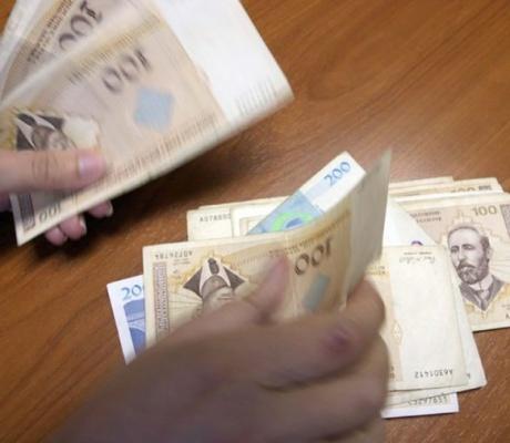 Prosječna plata u Srpskoj 914 maraka, a mjesečni troškovi života čak DVOSTRUKO VEĆI