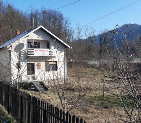 OGLAS: Kuća u Donjoj Paklenici na prodaju (FOTO)
