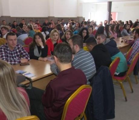 DOBOJ: Omladinska banka Doboj organizovala info dan za projekte mladih