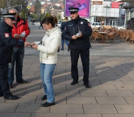DOBOJ: Zbog narkotika za 11 mjeseci uhapšena tri lica