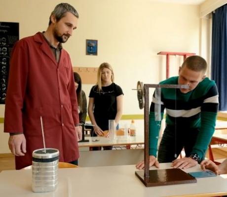 """DOBOJSKI INFO PREDSTAVLJA: Gimnazija """"Jovan Dučić"""" pozdravlja buduće učenike (VIDEO)"""